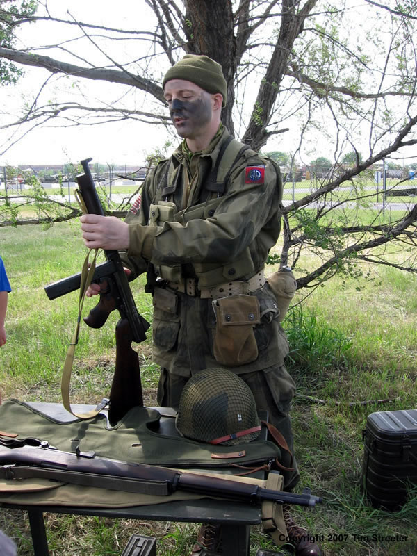 Paratrooper Uniforms And Equipment